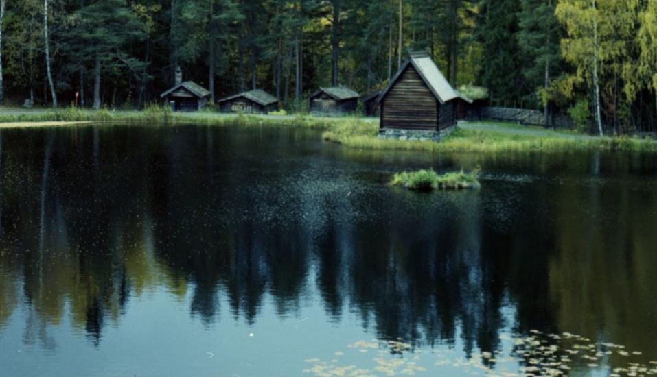 Becca-Pecaut_Wolf-Lake-Lodge