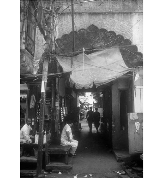 An outdoor shop on a street in Old Delhi (in black and white)